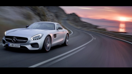 Mercedes-Benz AMG GT robia v dvoch verziách