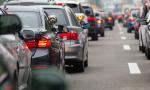 Kolóny na diaľniciach pre nehody. Dajú sa vodičom zľahčiť?