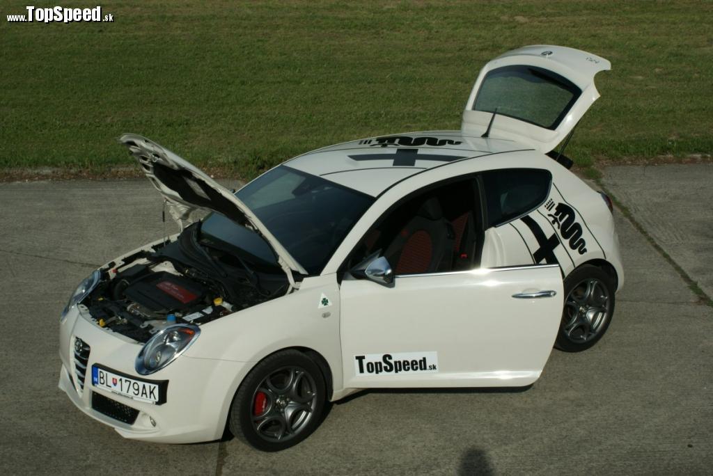 Bielu v kombináci s čiernou má Alfa Romeo MiTo QV zvlášť rada