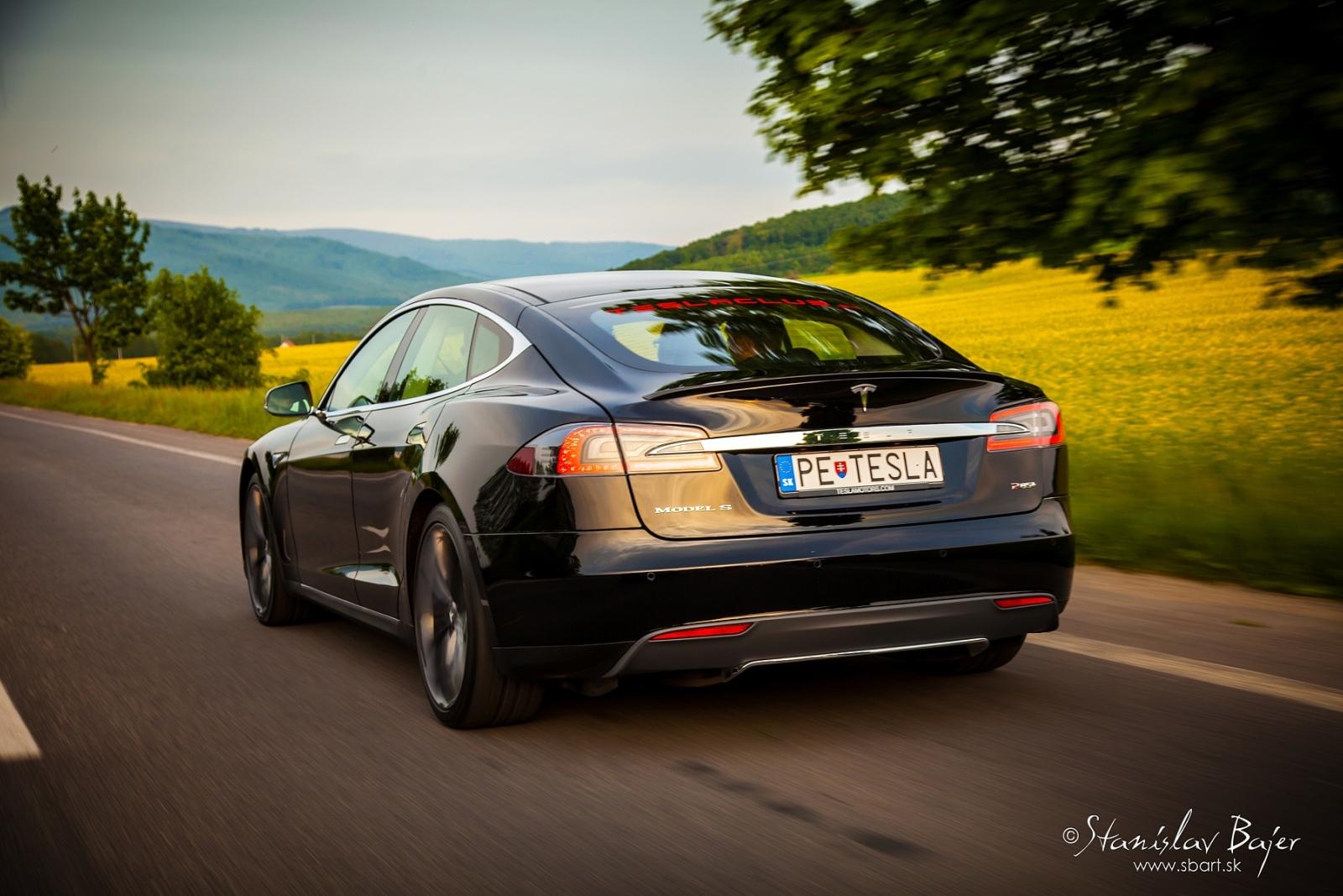 Majitelia nechcú nechcú znova hybridy a elektromobily