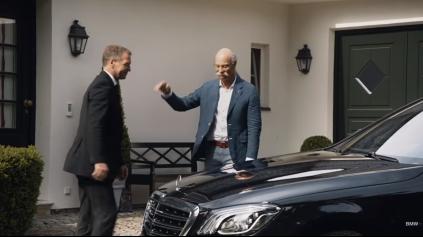 CEO Mercedes dostal od BMW na dôchodok darček (v reklame)