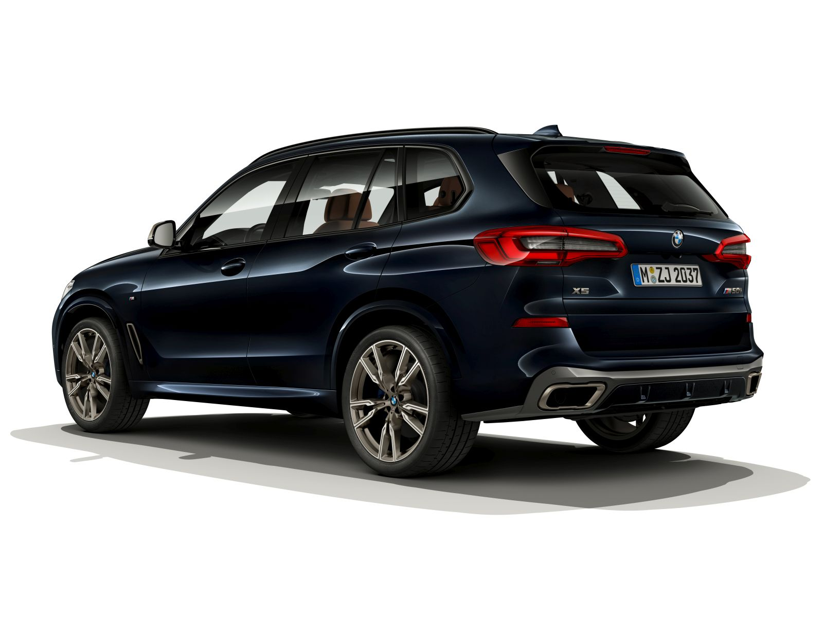 bmw x5 m50i a x7 m50i prich dzaj s v8. Black Bedroom Furniture Sets. Home Design Ideas