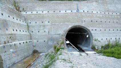 Tunel Višňové veľmi mešká. Vie o tom minister aj NDS