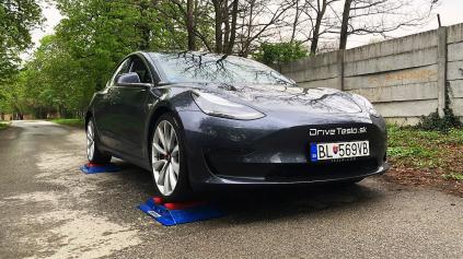 Tesla Model 3 4x4 test