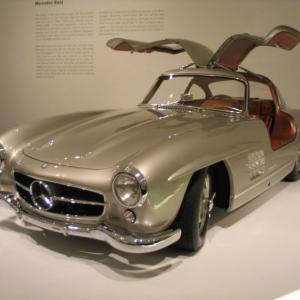 <p>Pôvodný Gullwingv Mercedes múzeu</p>