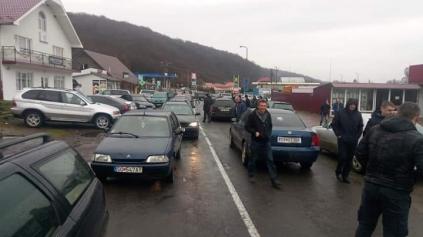 Ukrajinci sa nemôžu vrátiť domov na autách s euroznačkami!