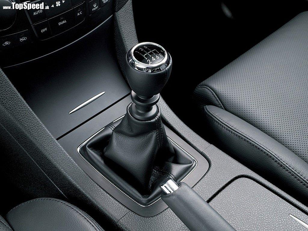Suzuki Kizashi Sport - manuálna 6-stupňová prevodovka