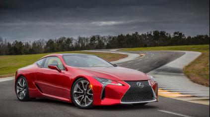 Lexus LC 500 dostal atmosférický V8 a 10-st. prevodovku!
