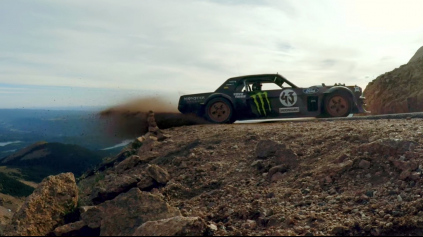 CLIMBKHANA TO JE KEN BLOCK VS. PIKES PEAK