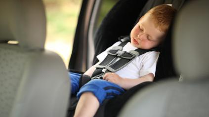 Deti v aute. Nezabúdajme na ne!