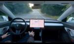 Nový autopilot Tesla dokáže ozaj zaujímavé veci