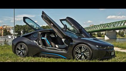 Ako funguje BMW i8 športový plug-in hybrid? Predstavuje Noro MIKULEC