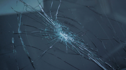 PZP a rozbité čelné sklo? Poisťovne platiť škodu nechcú