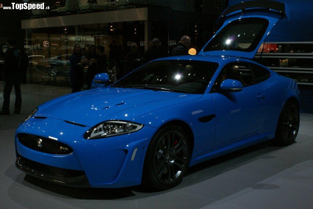 Jaguar XKR-S možno označiť ako super GT. Jednou nohou už v teritóriu superšportov.