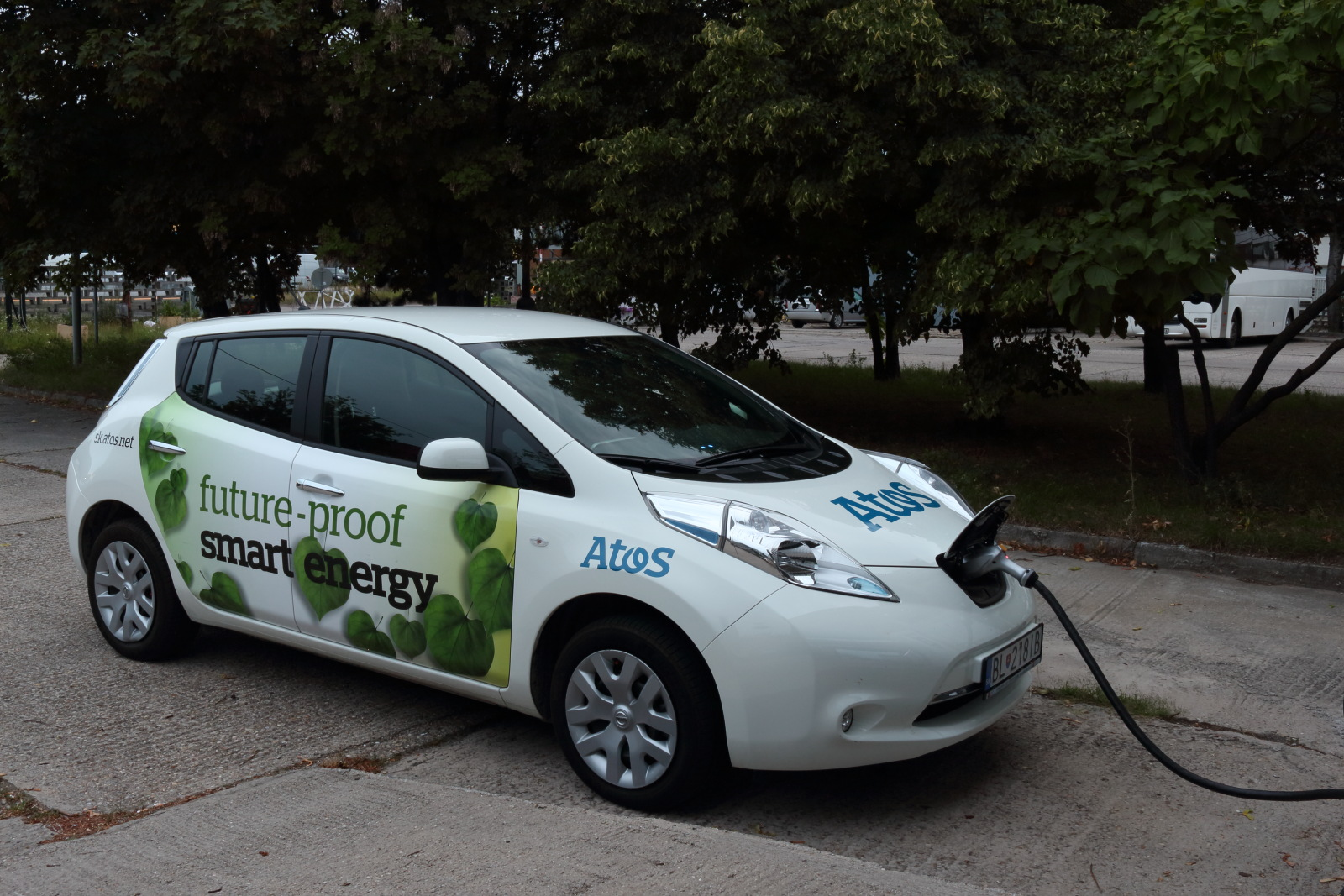 test nissan leaf 24 kwh. Black Bedroom Furniture Sets. Home Design Ideas