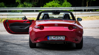 TEST: MAZDA MX-5 2.0 REVOLUTION