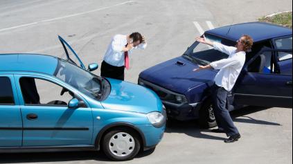 Poisťovne údajne preplatia poškodenému z PZP poistenie opravu auta