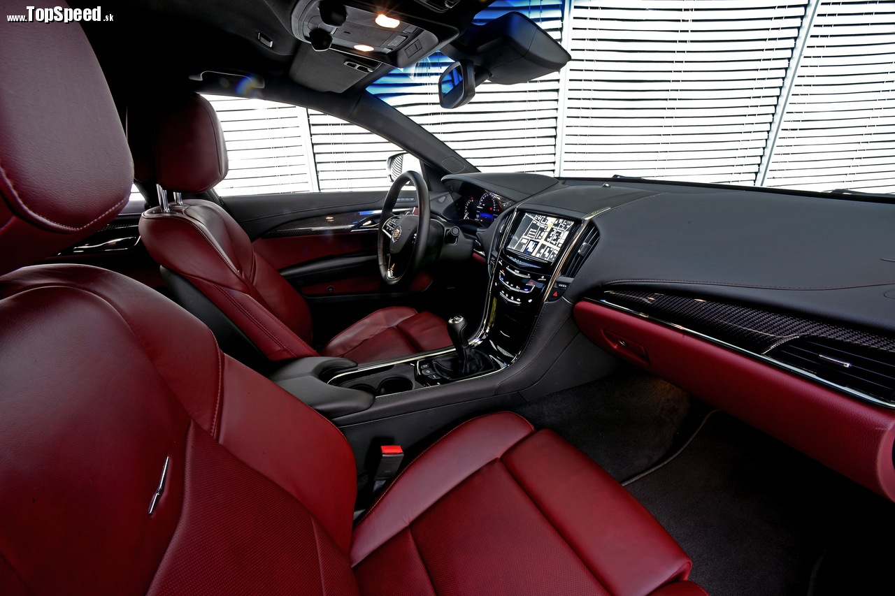 Aj vnútri je Cadillac ATS viac Európan, než Američan. A to je skvelé!