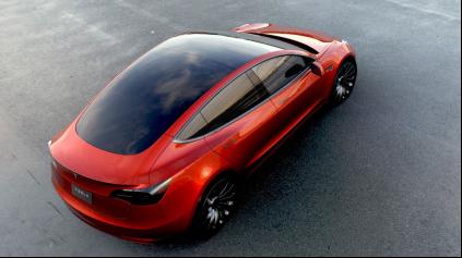 Tesla Model 3 prináša revolúciu elektromobilov v cene a dojazde