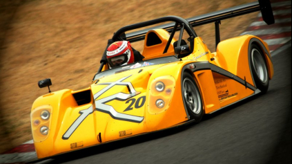 CATERHAM R500 VS. RADICAL SR4